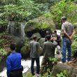 Gubernur Berikan Bantuan untuk Pengembangan Wisata Air Terjun C2