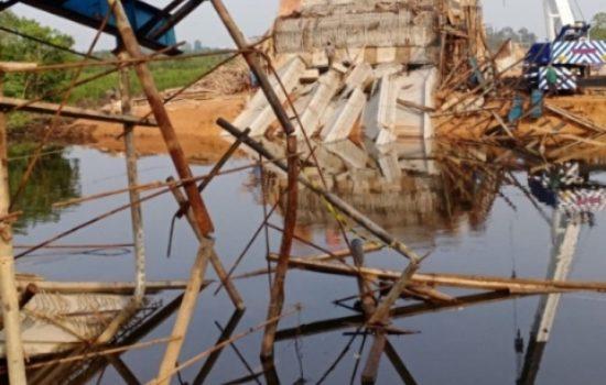 Belum Selesai di Kerjakan Proyek 25,9 Milyar Jerambah Gantung Pangkalpinang Ambruk