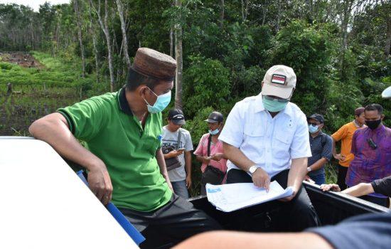 Gubernur Babe Erzaldi Rosman Tinjau Sawah Desa Kemuja