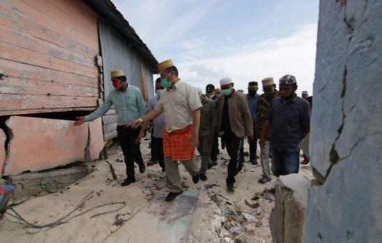 Kunjungi Pulau Gersik, Gubernur Erzaldi Tanggapi Kecemasan Warga