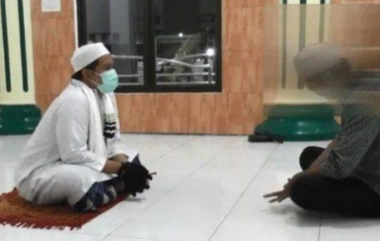 Ustad Ismail Sebut Manfaat Ruqyah Selain Mengusir Jin Dalam Tubuh Juga Mengurangi Stres