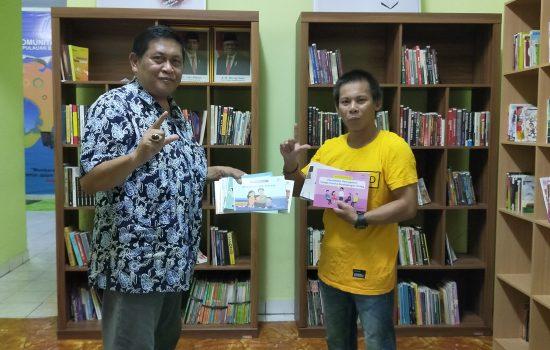 Kepala LPMP Babel Menyumbang Buku Bacaan Buat Rumah Baca Literasi