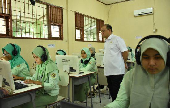 Gubernur Erzaldi Rosman Berharap Siswa SMK Tetap Semangat Ikuti Ujian Nasional