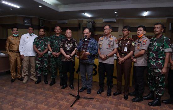 Bersama Cegah Covid-19, Gubernur dan Forkopimda Instruksikan Kepala Daerah Lewat Vicon